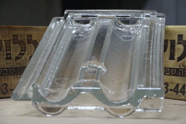 זכוכית דגם טרה רוסה