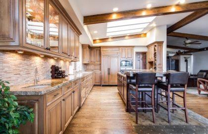 כך תשלבו עץ בעיצוב הבית שלכם