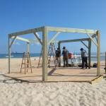 בניית שלד פרגולה בחוף זיקים