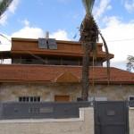 גג רעפים בבית פרטי - חיפוי דקורטיבי לבית