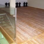 רצפת דק חנות בגדים - עבודות עץ מיוחדות